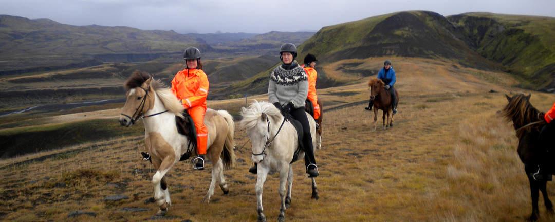 Rider i den slående vackra naturen i naturreservatet Thorsmörk