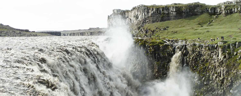 Rider vid Dettifoss, det mäktigaste vattenfallet i Europa