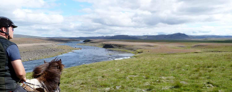 Rider på islandshäst med fantastiska vyer och oförglömlig upplevelse