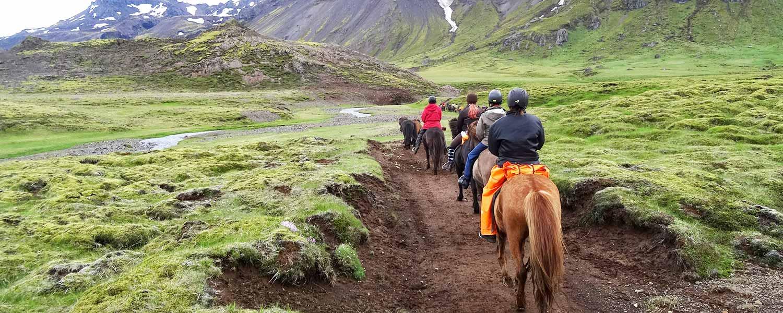 Rideresa där vi följer den gamla vägen från Hveragerði till Hellisheidi på Island