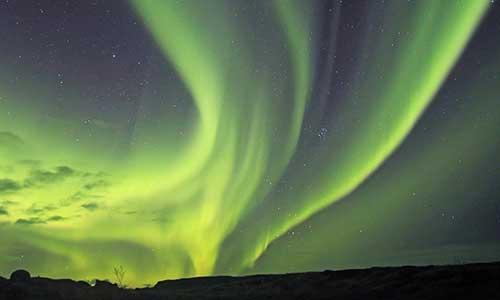 Väldigt mäktigt norrsken på Island