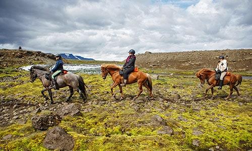 Ridresa på Island mellan floderna